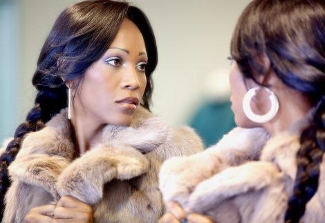 Come indossare la pelliccia di visone 470x323 - Come indossare la pelliccia di visione