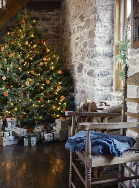 Albero di Natale 2019 con agrumi essiccati fatti in casa 470x635 - Colori Alberi di Natale 2019