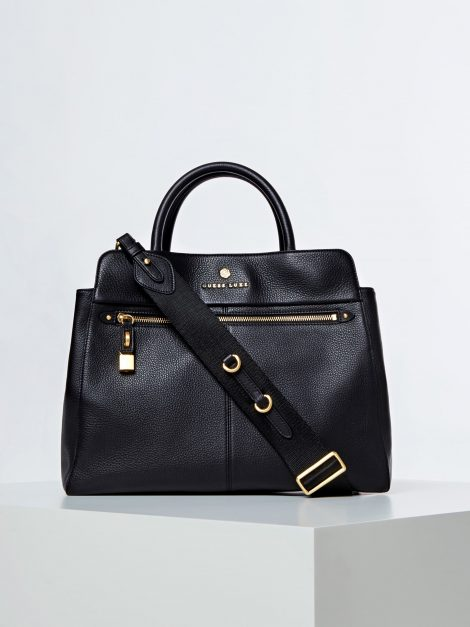 Borsa a mano con tracolla Guess modello Eve Luxe colore nera 470x627 - Borse Guess in pelle primavera estate 2020