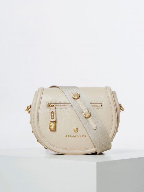 Borsa a tracolla in pelle Guess modello Eve Luxe color crema 470x627 - Borse Guess in pelle primavera estate 2020