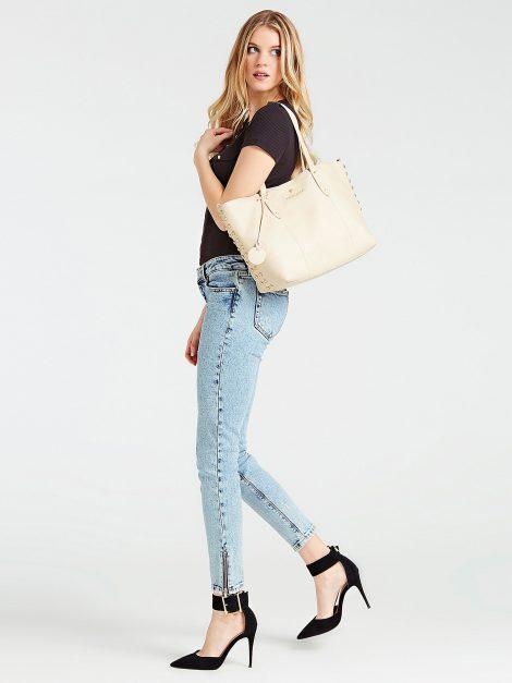 Shopper in vera pelle Guess modello Eve Luxe collezione primavera estate 2020 470x627 - Borse Guess in pelle primavera estate 2020